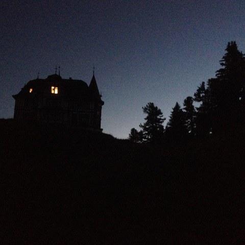 Unterkunft Villa Cassel bei Nacht