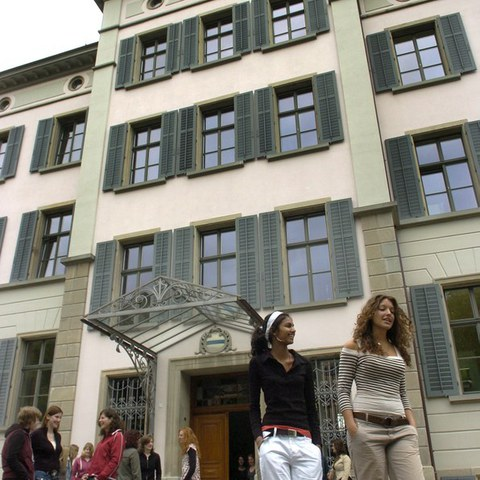 Fachmittelschule Kanton Zug