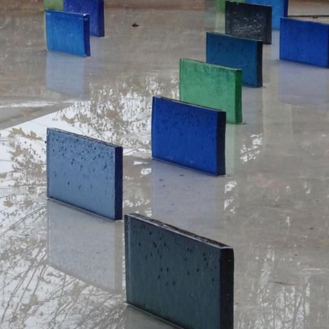 Farbige Glasskulpturen
