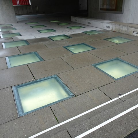 Boden- und Lichtplatten