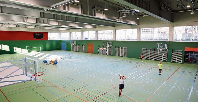 Die neue Dreifachhalle ist wettkampftauglich. Bild: Stefan Kaiser (Zug, 12. Dezember 2018)