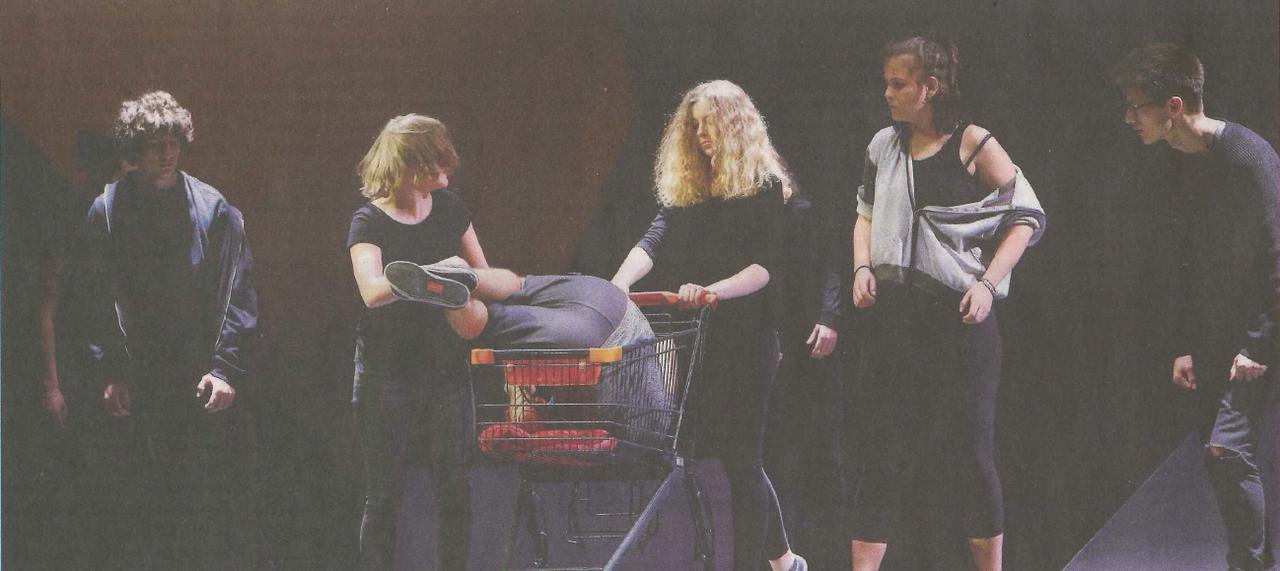 Das Kantitheater probt das Stück «Trust», den Klassiker von Falk Richter