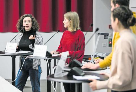 An der Uni Luzern fand am Wochenende die regionale Nachwuchs-Debattiermeisterschaft statt. Ein Augenschein.