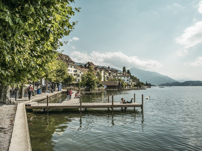 Zug Seepromenade © Switzerland Tourism/Markus Buehler-Rasom
