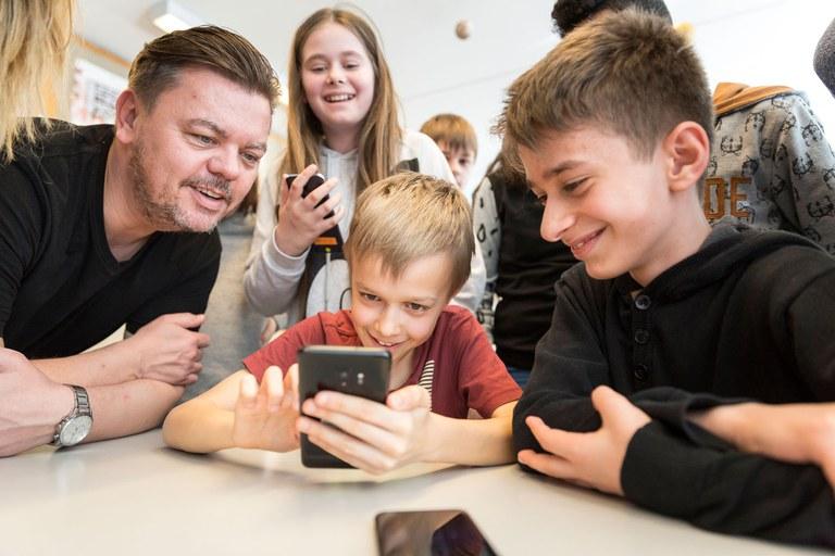 Die App fasziniert Lehrpersonen und Schülerinnen und Schüler gleichermassen.