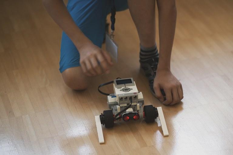 8 Roberta Workshop Roboter.jpg