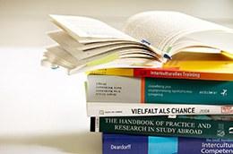 "Literatur to the topic ""Interculturality""."