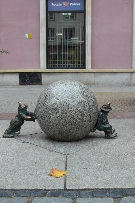 Sisypher dwarves by Tomasz Moczek (pl) in Wrocław