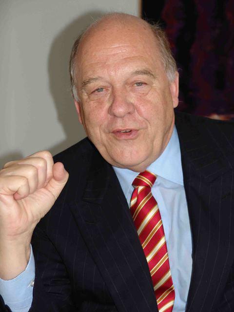 Klaus J. Stoehlker Schulinfo Zug P