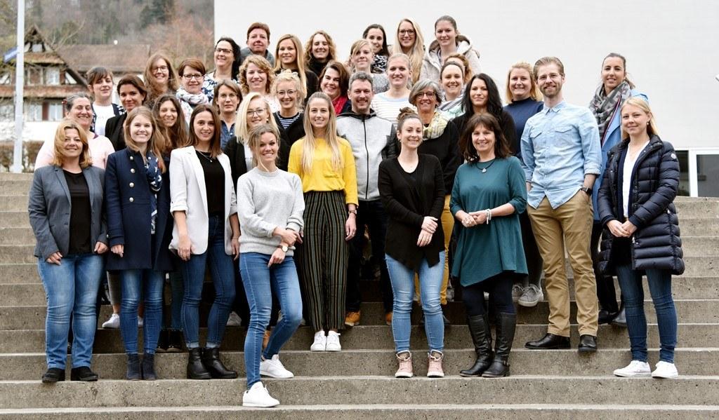 Die erfolgreichen Absolventinnen und Absolventen der PH Zug