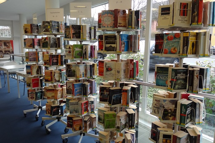 Bibliothek Hünenberg