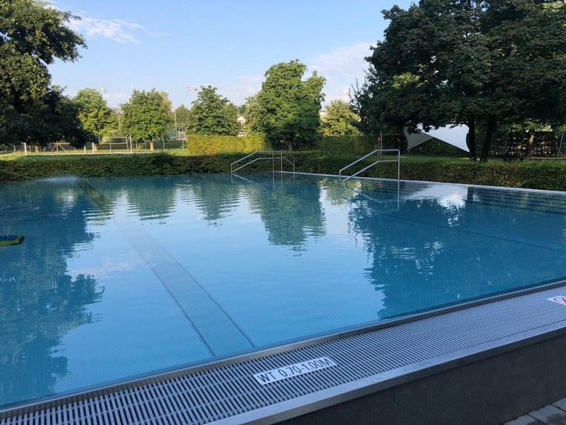 Lernschwimm- und Planschbecken ausser Betrieb