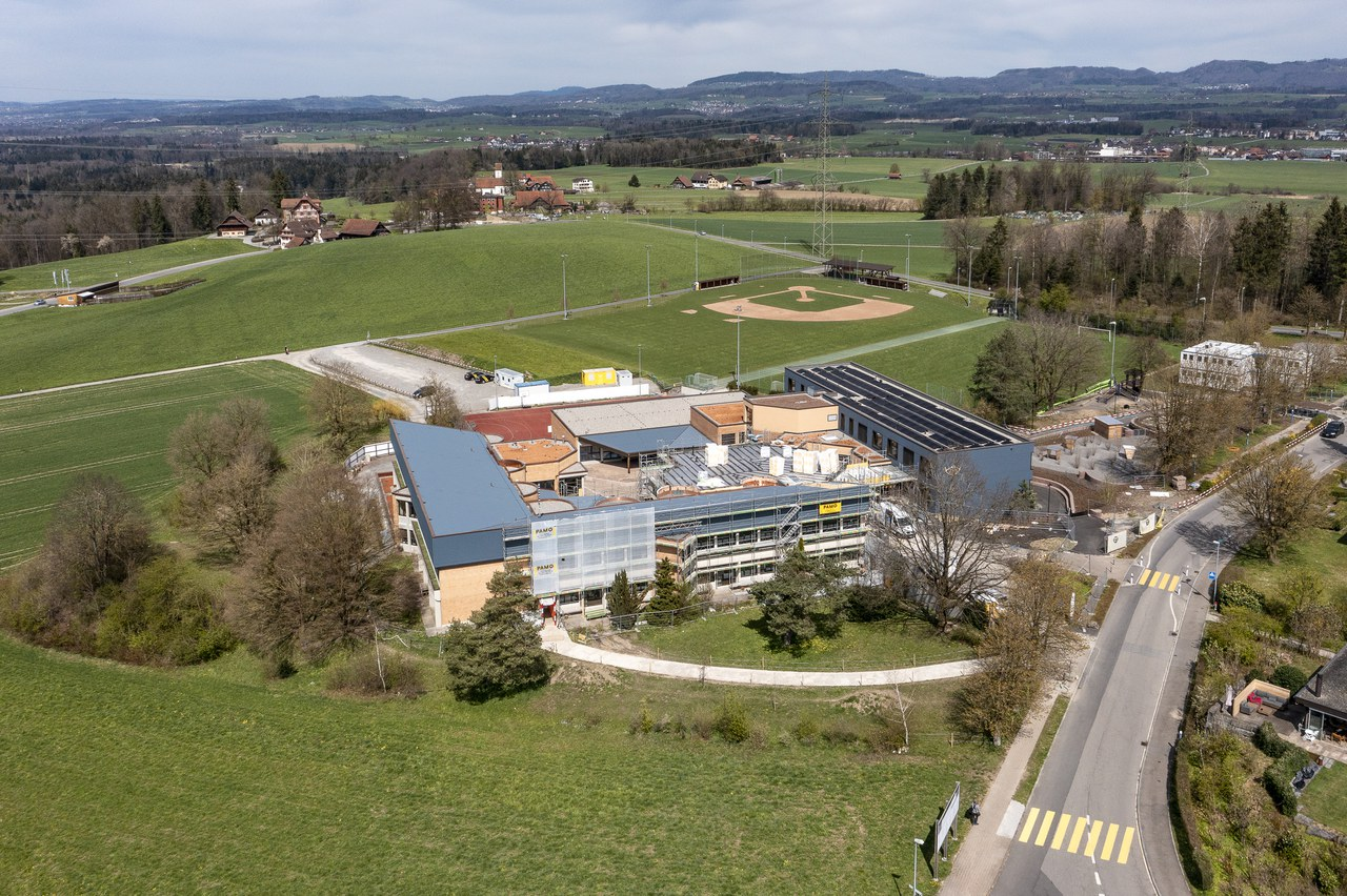 Schulhaus Rony, April 2021
