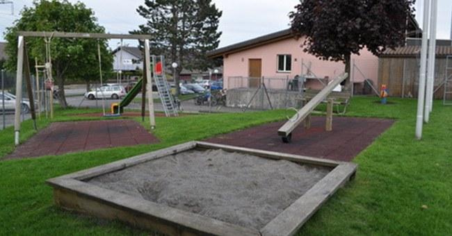 Spielplatz Sportplatz Chrüzegg