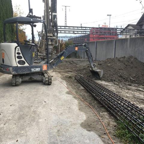 Pfahlbohrung für die Baugrube in der Binzmühlestrasse