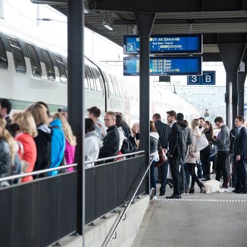 Bahnhof Leute
