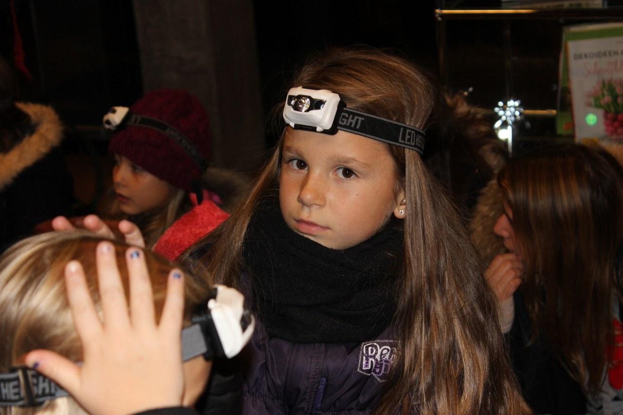 Mit Stirnlampe auf Spurensuche: Jennifer (8)