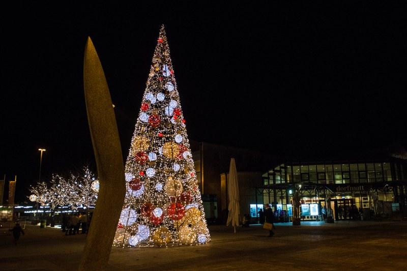 Ab Wann Weihnachtsbeleuchtung.Schalteröffnungszeiten über Weihnachten Neujahr 2017 2018 Und Ab