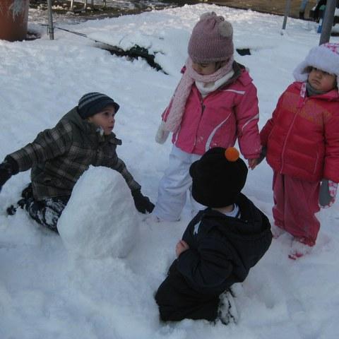 Spielen im Schnee 2