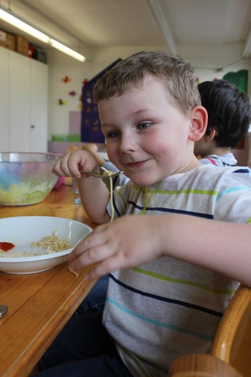 Spaghetti geniessen 1.JPG