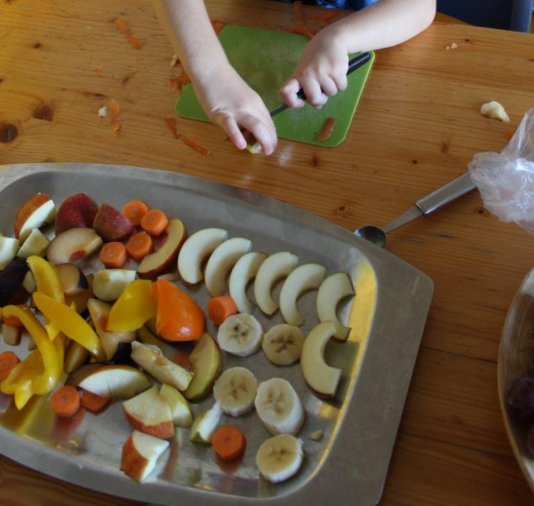 Frische Früchte zubereiten.JPG