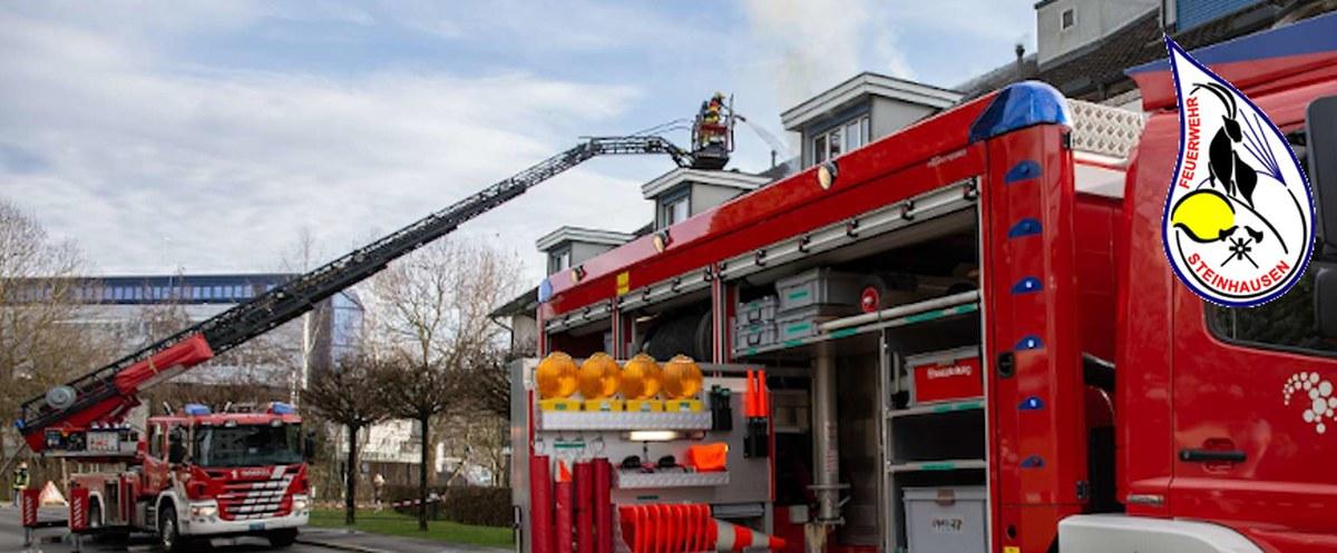 Hubretter vom Stützpunkt unterstützt Feuerwehr Steinhausen
