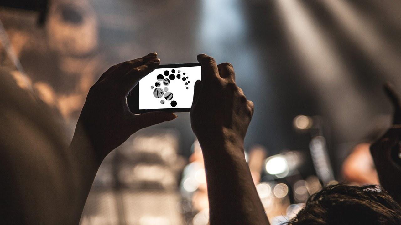 Jugendliche dokumentieren heute ihren Alltag intensiv mit Smartphones.