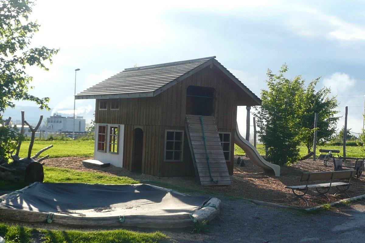 Mini Bauernhaus mit Rutschbahn
