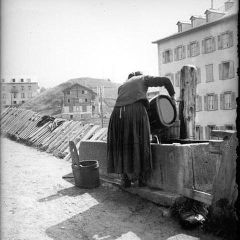 Wäsche am Brunnen (VS)