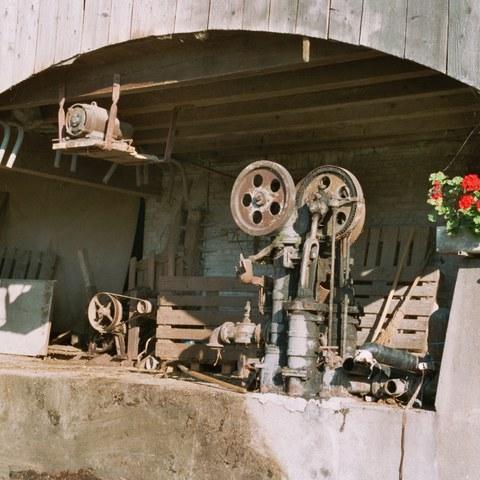 Stall mit Jauchepumpe von 1911 Cham (ZG)