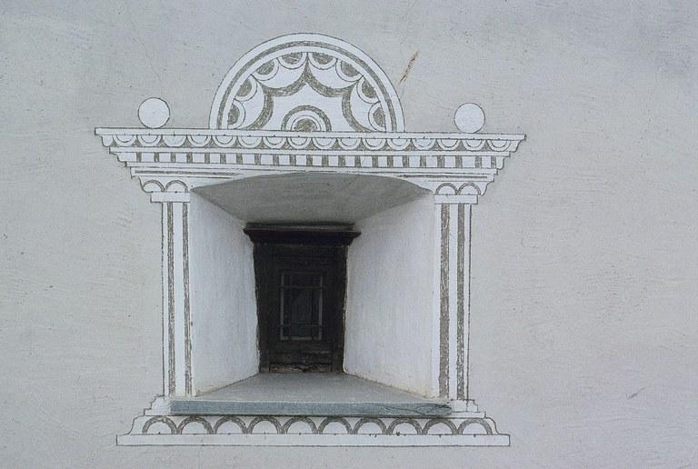 Sgraffitoverziertes Fenster Ftan (GR)