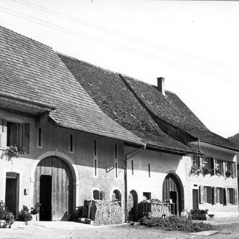 Häuserzeile in Rothenfluh (BL)