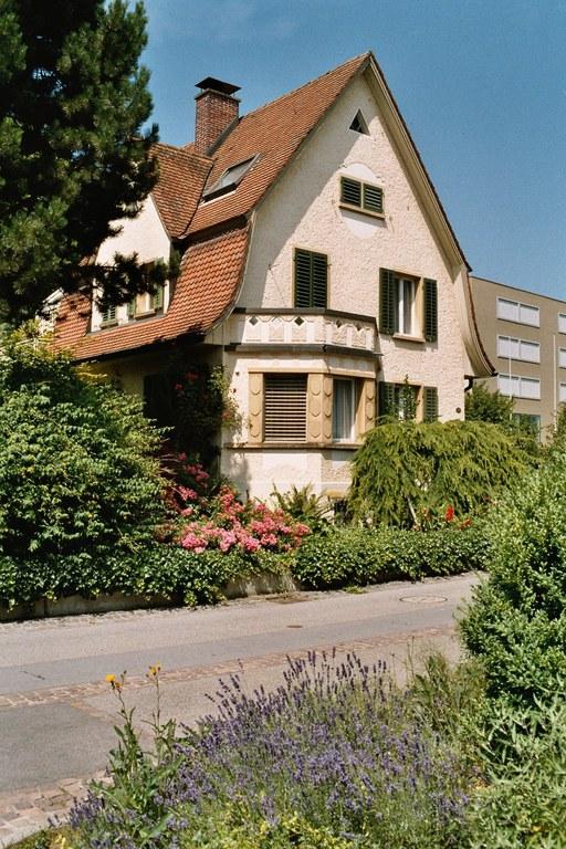 Haus in Heimat- oder Reformstil von 1917 Cham (ZG)